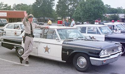 deputy_and_patrol_car